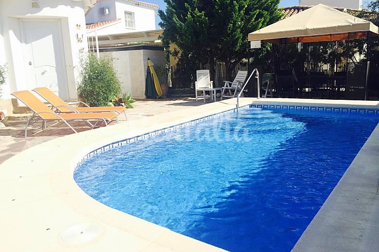 Villa urb lujo oliva nova playa piscina wifi oliva for Piscina playa precio