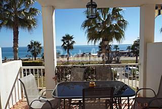 Apartamento de 3 habitaciones a 30 m de la playa Almería