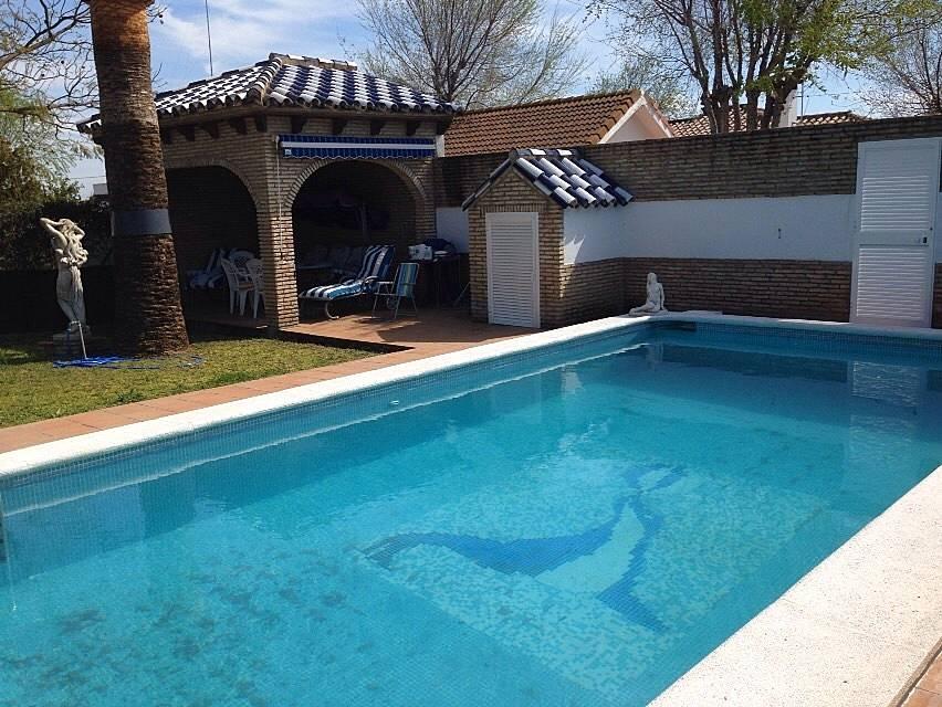 Casita con piscina en playa de la barrosa la barrosa for Piscinas chiclana