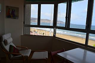 Apartment for rent on the beach front line Gran Canaria