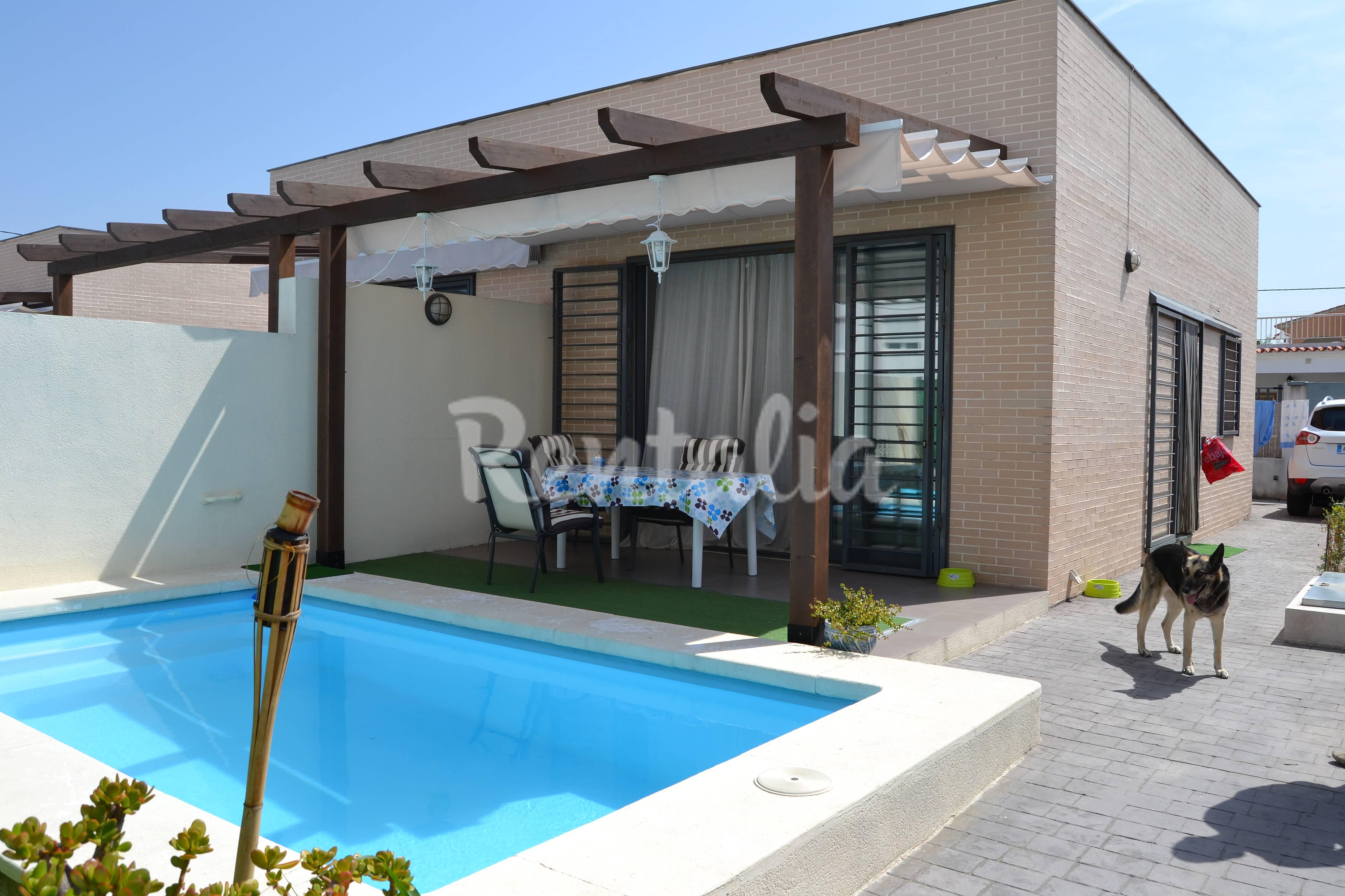 Casa en alquiler a 150 m de la playa oliva playa oliva for Casas en alquiler para vacaciones con piscina privada
