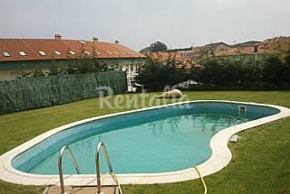 Con  piscina,jardín,pista de pádel. A Coruña/La Coruña