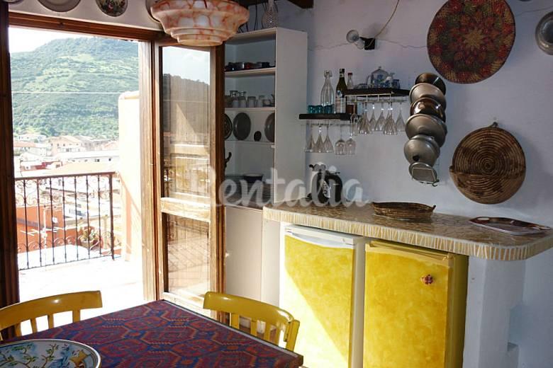 Appartamento su pi piani zona cas bosa oristano for Piani di progettazione appartamento seminterrato