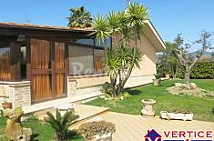 Villa for 6-8 people only 300 meters from the beach Latina