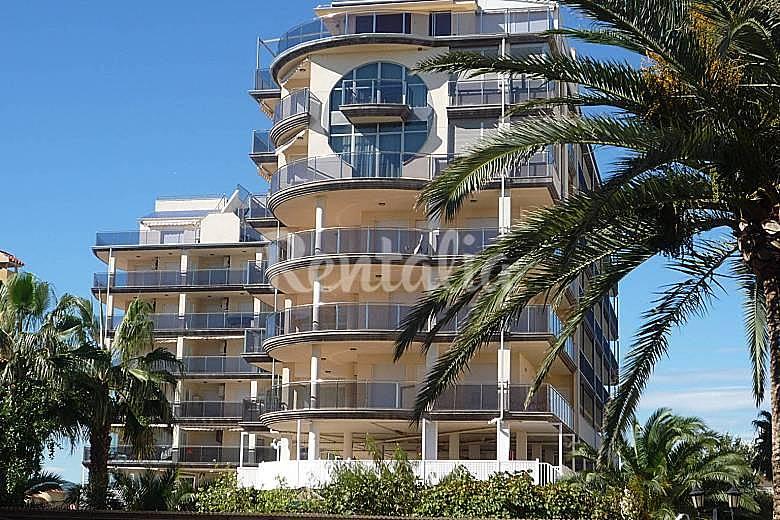 Apartamento con piscina a 50 metros de la playa for Piscina 50 metros pontevedra