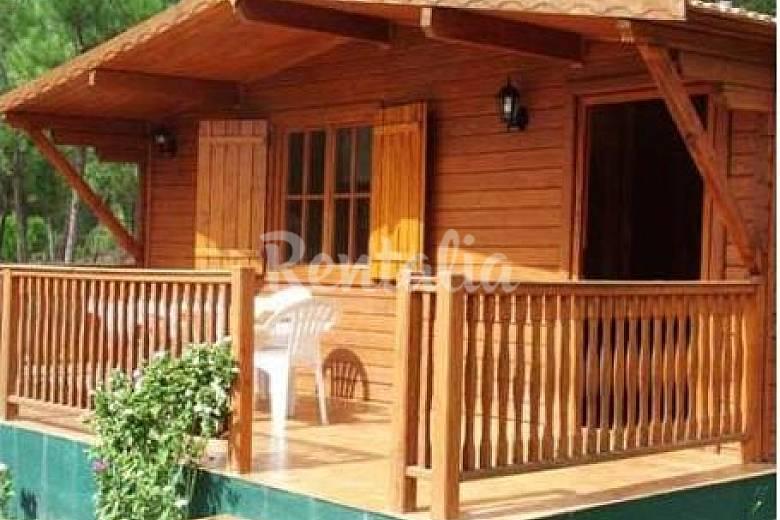 Casas de madera y piedra en entorno natural seixo da - Casas de madera natural ...