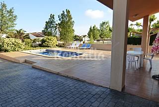 Casa 8 plazas y piscina a 200 m. de la playa Tarragona