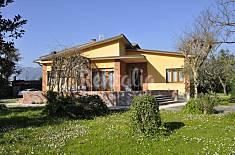 Villa singola con ampio giardino  Lucca