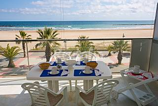 Apartment for 6 people on the beach front line Barcelona