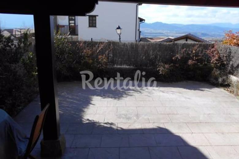 Casa de 2 habitaciones con piscina badaguas jaca for Piscina jaca