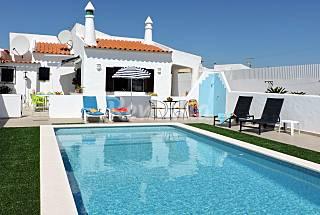 Villa for 4 people 1.5 km from the beach Algarve-Faro