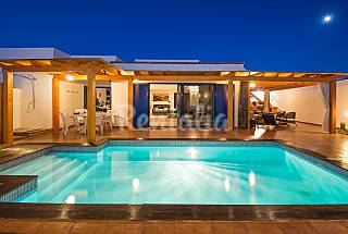 Villa with 4 bedrooms only 1000 meters from the beach Lanzarote