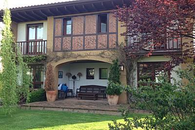 Casa del Sauce vila para 6 ps. a 500 m de la playa Cantabria