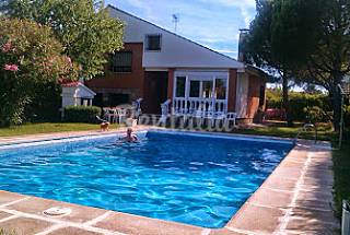 House for 9 people with swimming pool Guadalajara