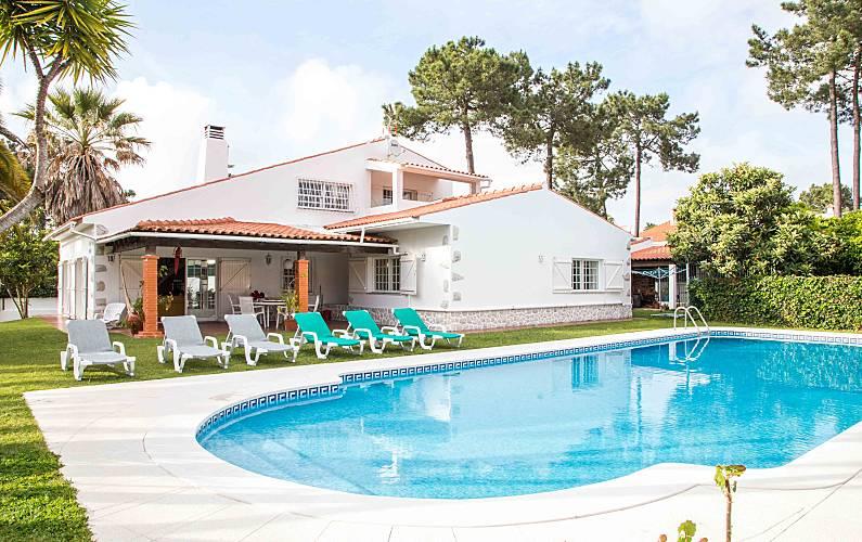 Villa piscine plage lisbonne corroios seixal for Alentour piscine