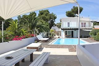 Villa sant antony cala  conta  6 people only 5 mint walk from the beach Ibiza