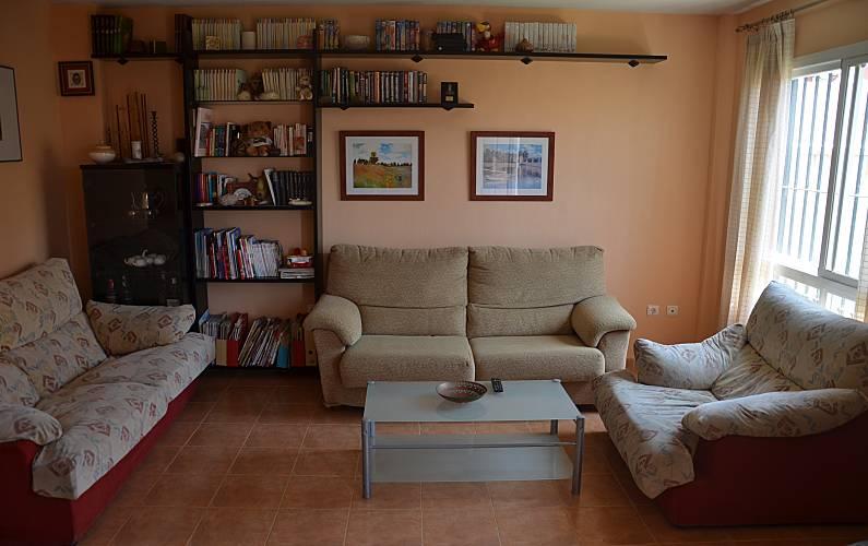 Casa per 6 persone a 600 m dal mare chilches v lez for Piani casa hacienda