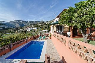 Villa with wonderful sea and mountain Granada