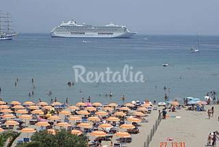 Apartment for 4-7 people on the beach front line Messina