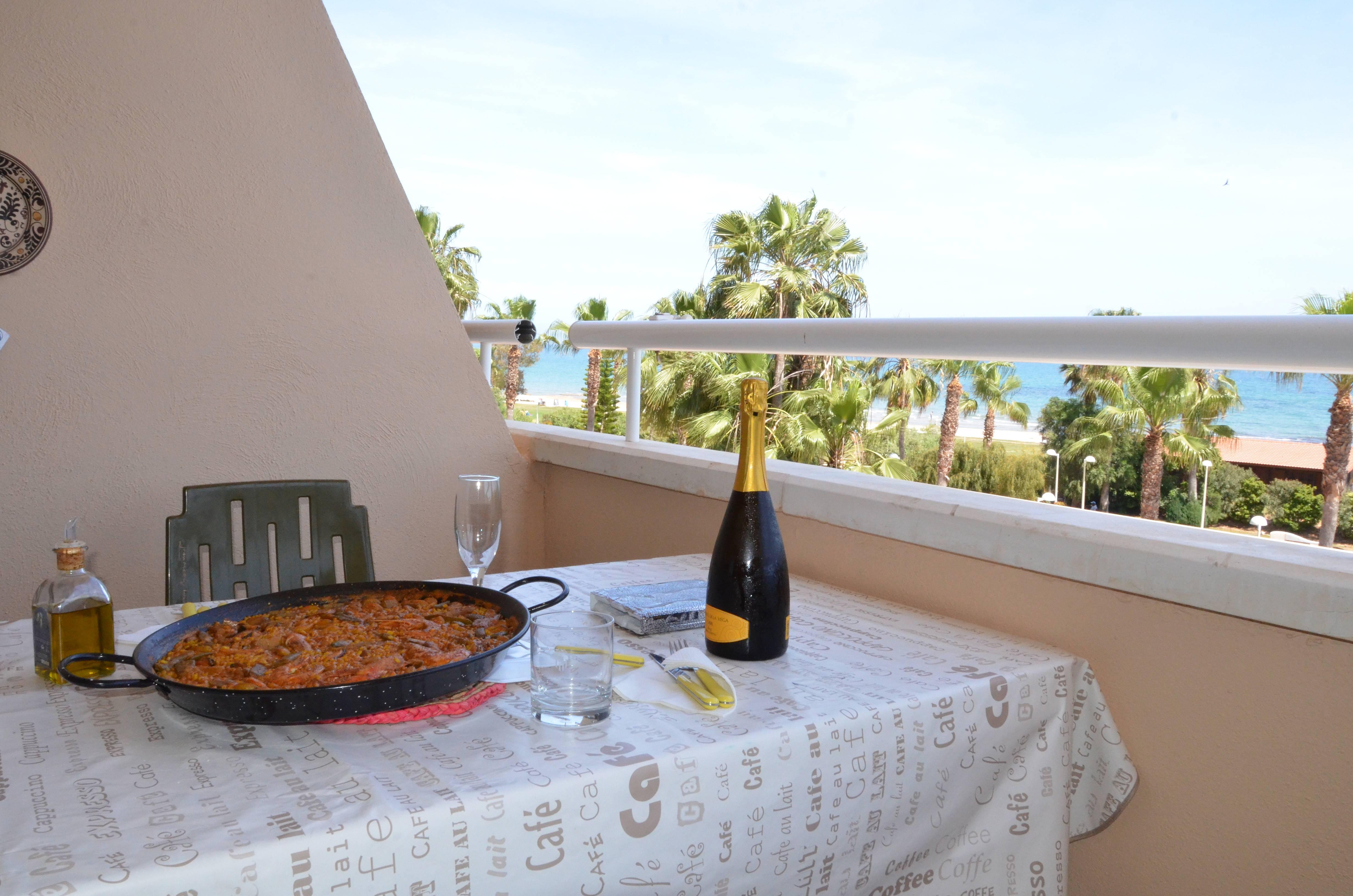 Apartamento en alquiler primera l nea de playa marina d 39 or oropesa del mar orpesa castell n - Alquiler apartamentos oropesa del mar ...