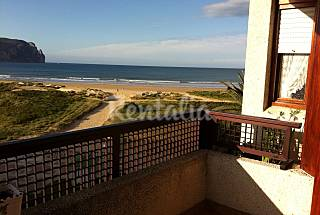 Apartment for 6 people on the beach front line Cantabria