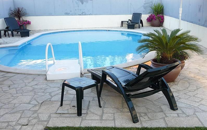 villa en location avec piscine rebord es santa maria ponte de lima viana do castelo route. Black Bedroom Furniture Sets. Home Design Ideas