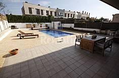 Casa con piscina y sala de cine Tarragona