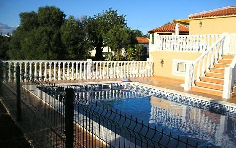 Villa with 3 bedrooms 3 km from the beach Algarve-Faro - Swimming pool