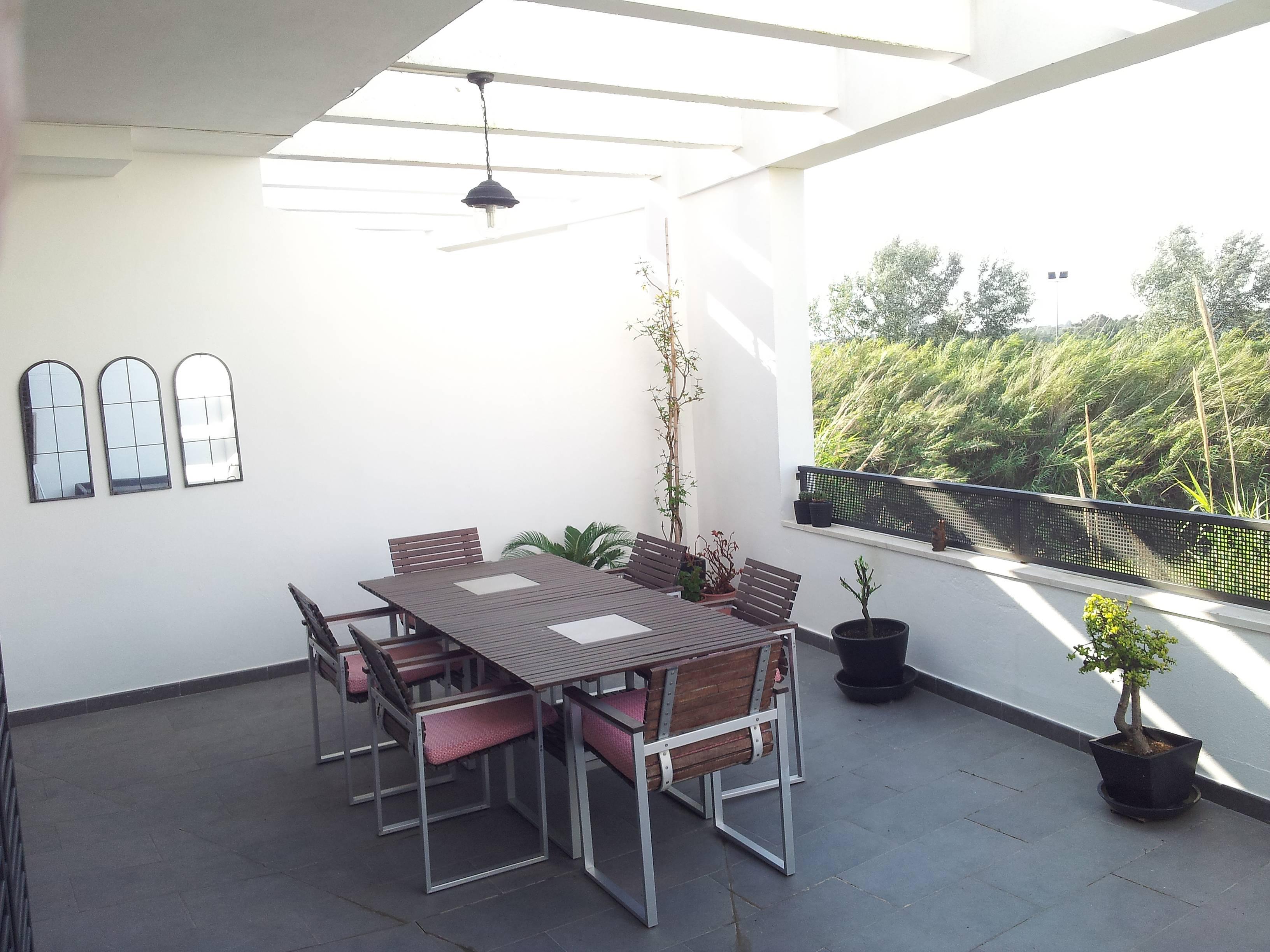 wohnung zur miete 1500 meter bis zum strand la. Black Bedroom Furniture Sets. Home Design Ideas