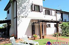 Villa with 4 bedrooms only 100 meters from the beach Latina