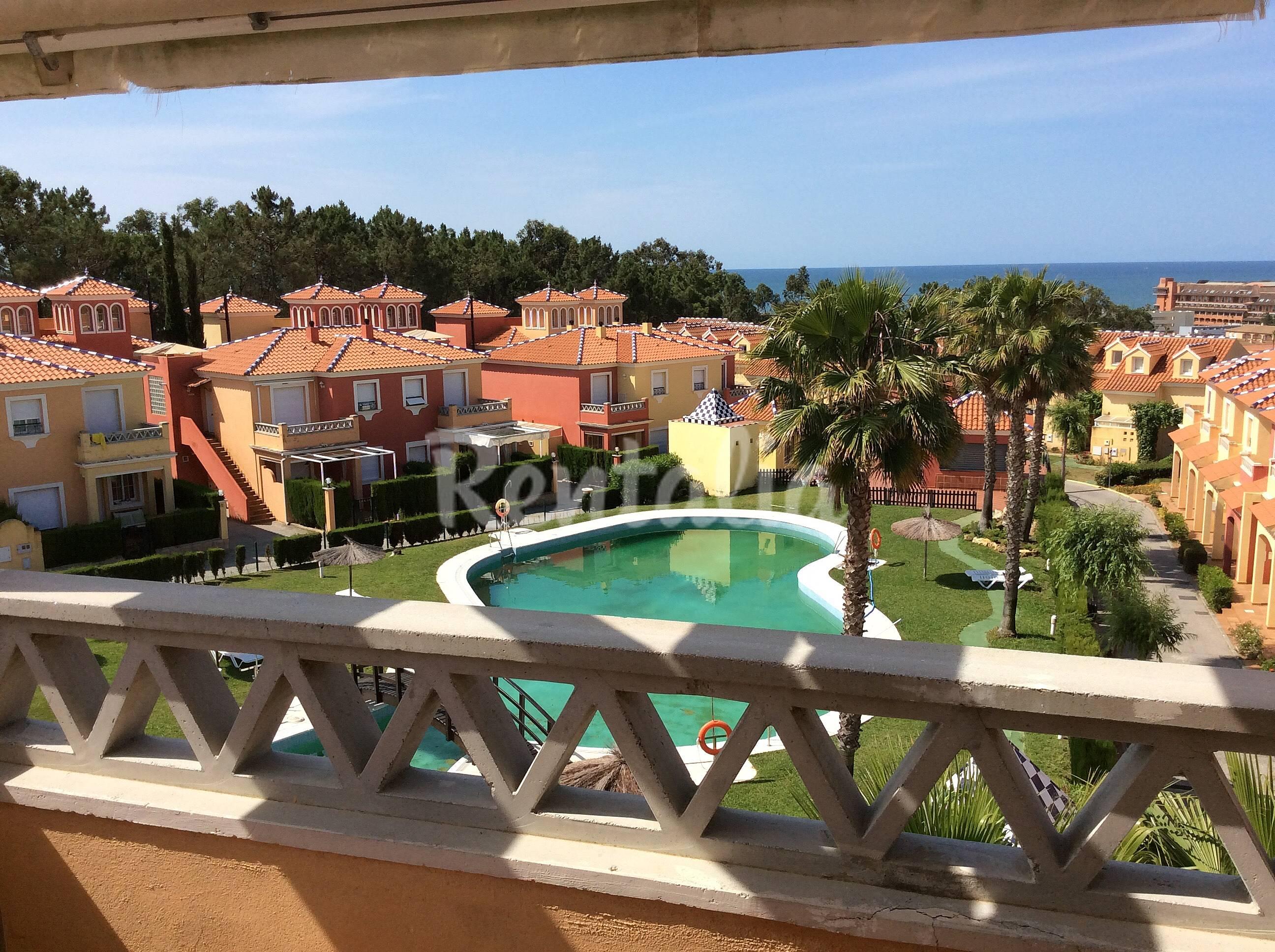 Apartamento en golf vista al mar 800 m de la playa - Rentalia islantilla ...