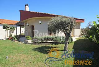 Villa with garden on 100 mt from the beach Ragusa
