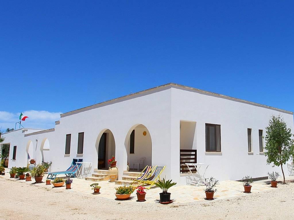 Apartamentos en alquiler a 1000 m de la playa porto badisco otranto lecce salento - Alquiler de apartamentos en playa ...