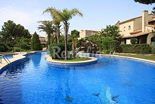 5 houses for 4-7 for rent in Bonmont golf course Tarragona