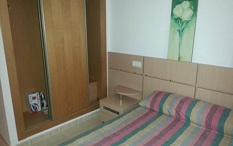 Apartamento para 4 6 personas a 150 m de la playa marina for Registro bienes muebles castellon