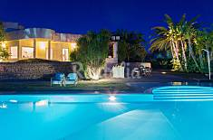 Persefone, luxury villa near the sea with pool Ragusa