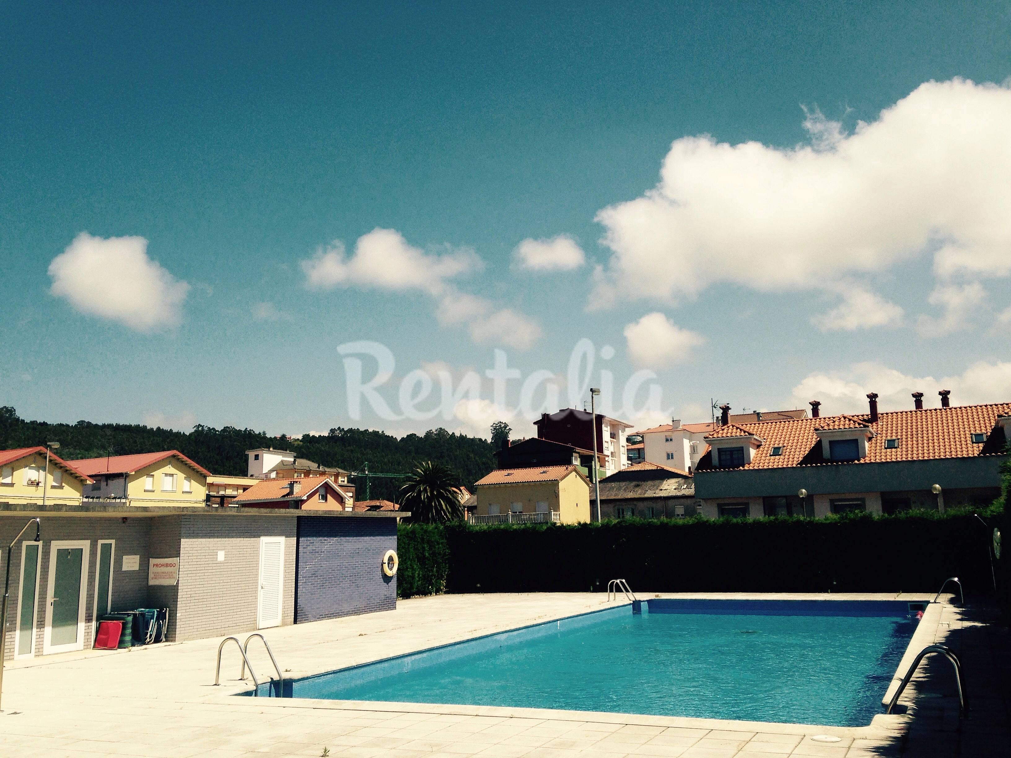 Apart con terraza y vistas al mar con piscina san juan for Piscinas soto
