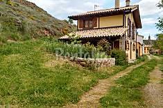 Maison en location avec vue sur la montagne Navarre