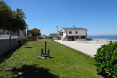 Casa con piscina junto al mar Pontevedra
