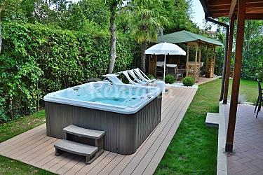 Villa a 600m dal mare con jacuzzi in giardino forte dei - Jacuzzi da giardino ...