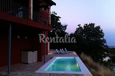 Villa para 12 personas con piscina miraflores de la for Piscinas en la sierra de madrid
