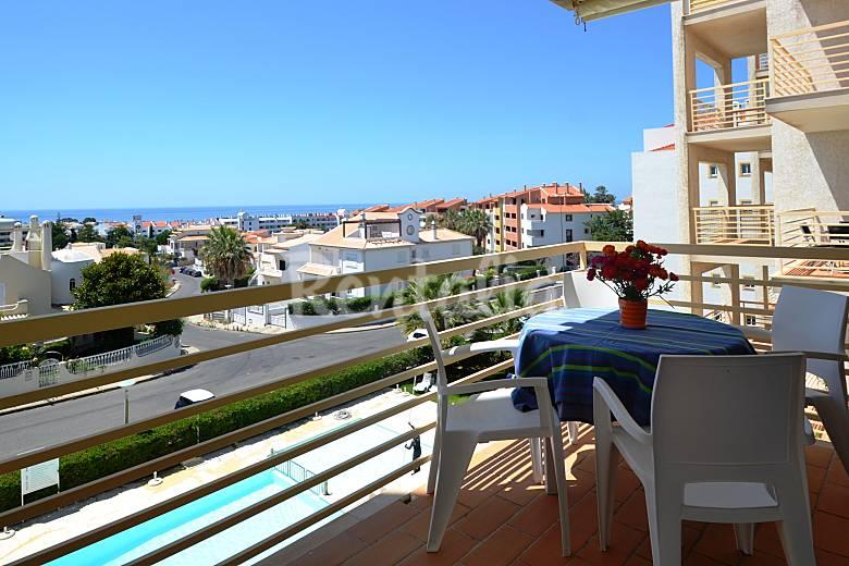 Appartement voor 4 6 personen op 2 5 kilometer van het strand albufeira algarve faro kust for Terras strijkijzer