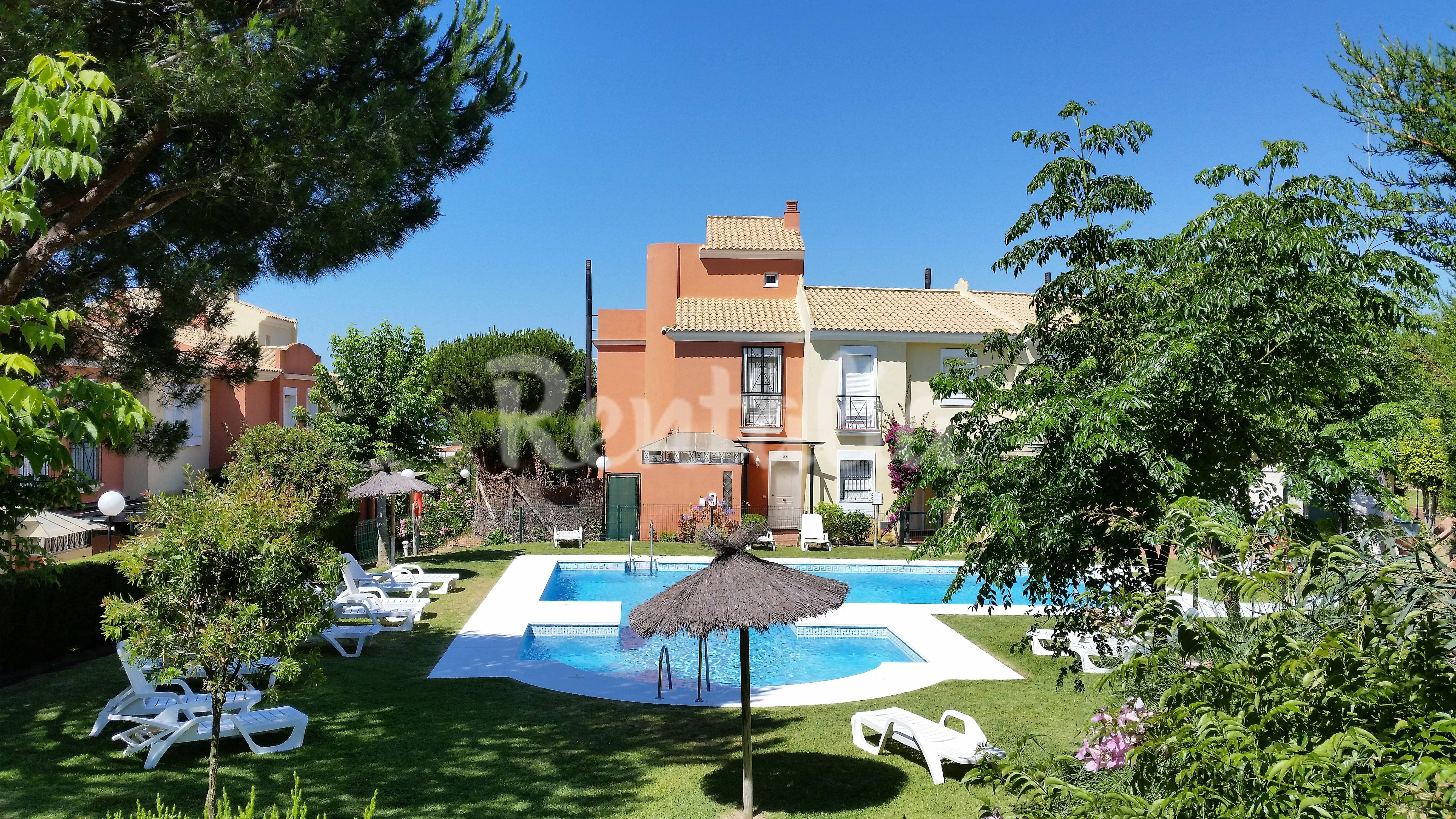 Casa para 6 personas a 300 m de la playa islantilla i - Rentalia islantilla ...