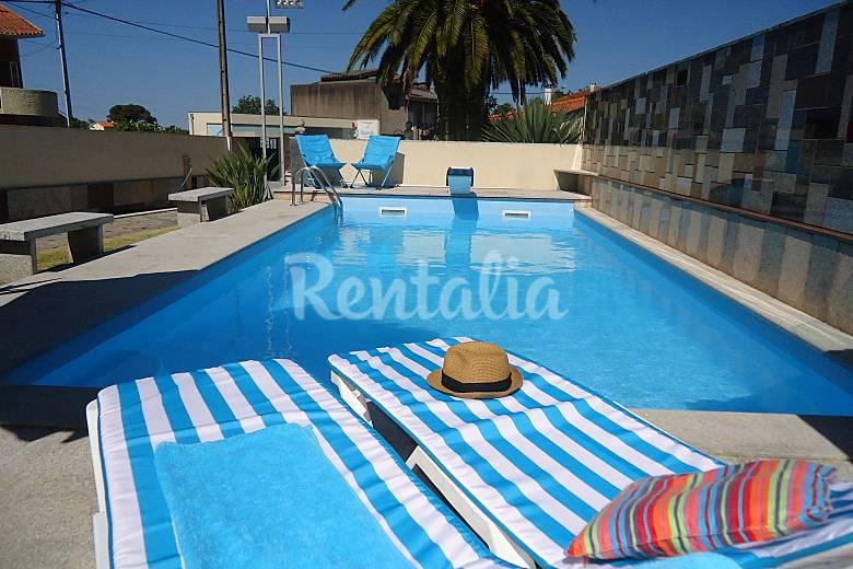 Villa con piscina a 4 km de la playa anha viana do for Vacaciones en villas con piscina