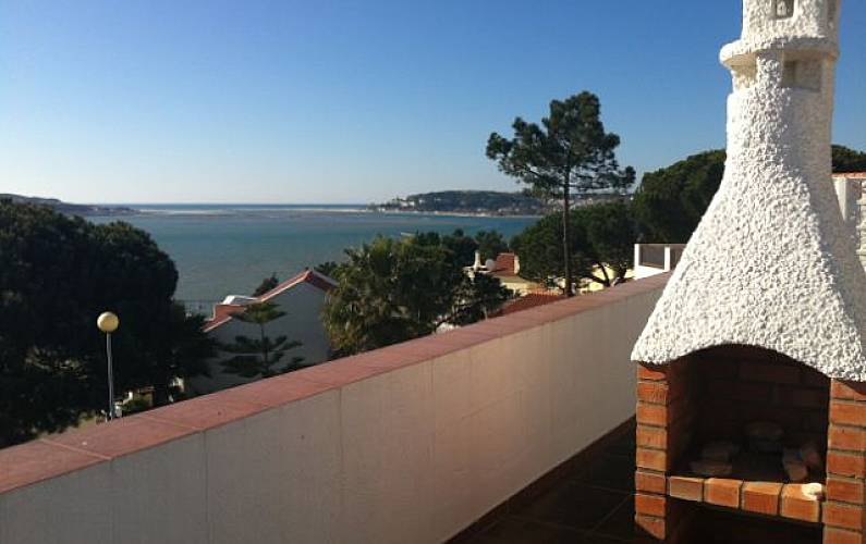 Villa with 4 bedrooms only 200 meters from the beach Leiria - Terrace