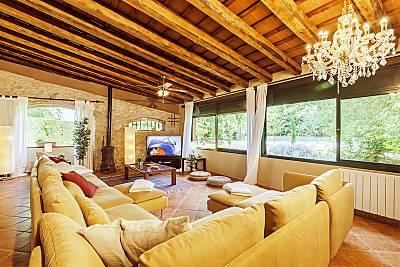 Masía de 9 hab. con piscina y jardín privado Girona/Gerona