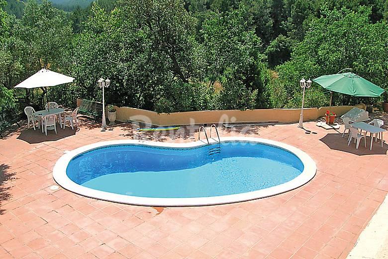Villa pour 8 personnes avec piscine can turu for Villa barcelone avec piscine