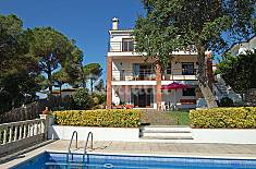 Villa for rent 6 km from the beach Barcelona