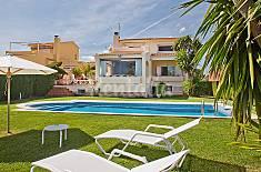 Villa for rent on the beach front line Tarragona