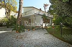 Villa in affitto a 570 m dalla spiaggia Lucca